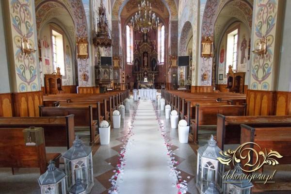Wymarzone dekoracje kościoła w atrakcyjnych cenach